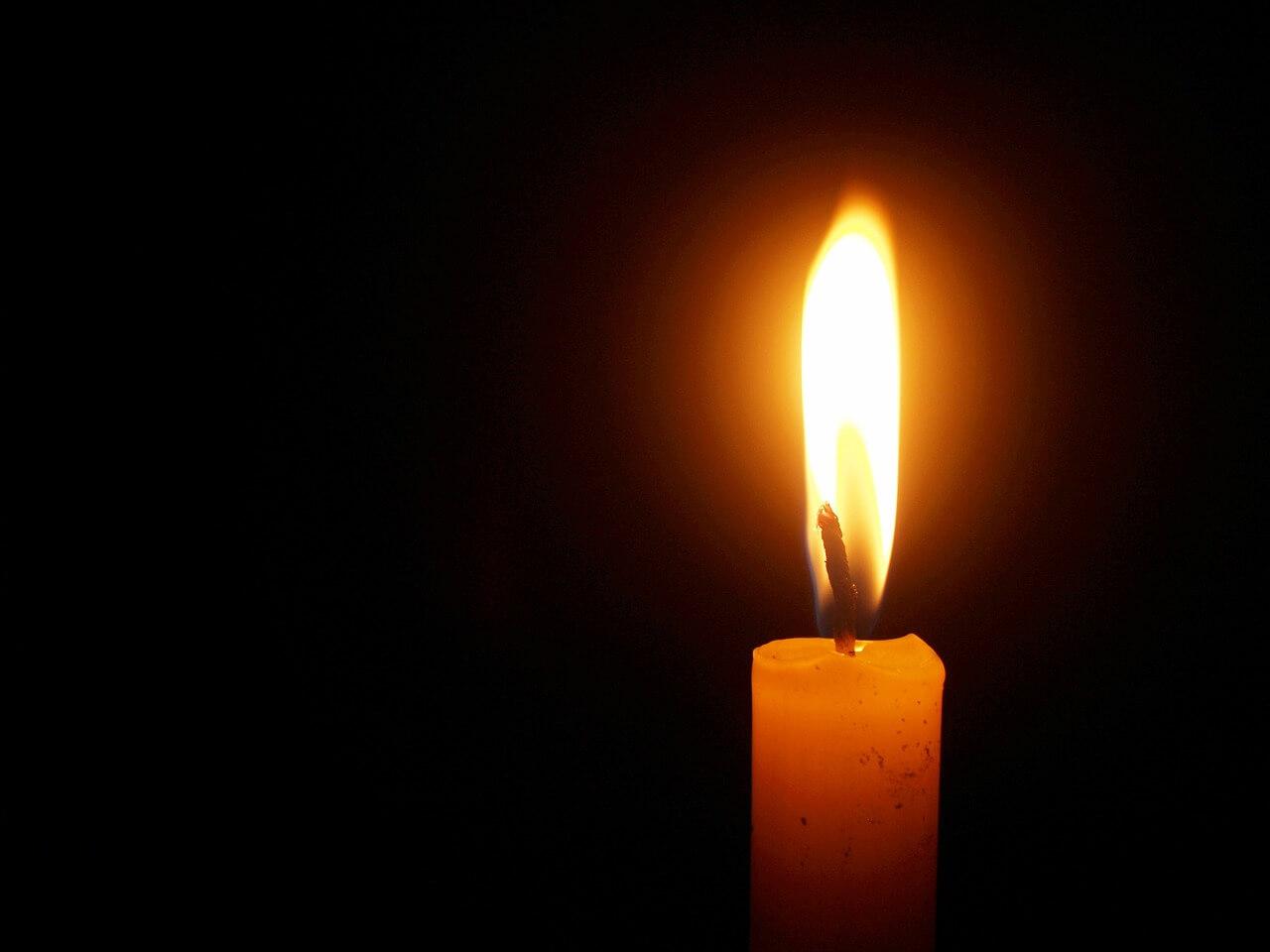 Frohe Weihnachten Für Trauernde.Weihnachtsgrusse Trotz Todesfall Bestattungsinstitut Jm