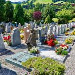 Grabpflege im Frühjahr